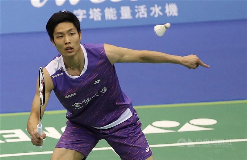 台灣羽球一哥周天成(圖)27日在南韓羽球公開賽8強賽,僅花39分鐘,以直落二擊退印尼選手謝薩,進入4強賽。(中央社檔案照片)