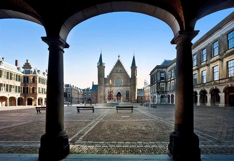 荷蘭眾議院8日首次表決通過籲請荷蘭政府支持台灣參與國際組織。在經貿往來方面,據統計,僑外資投資台灣金額最高地區也是荷蘭。(圖取自facebook.com/tweede.kamer)