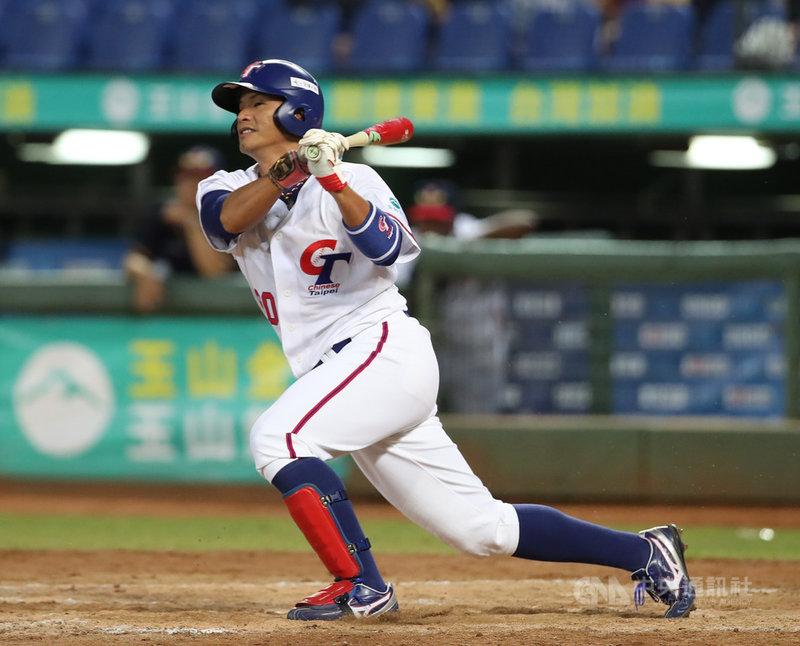 2019年亞洲棒球錦標賽14日在洲際棒球場開打,中華隊首戰交手香港隊,先發打第4棒的姜建銘表示,不管打哪一棒都會全力以赴。中央社記者張新偉攝 108年10月14日