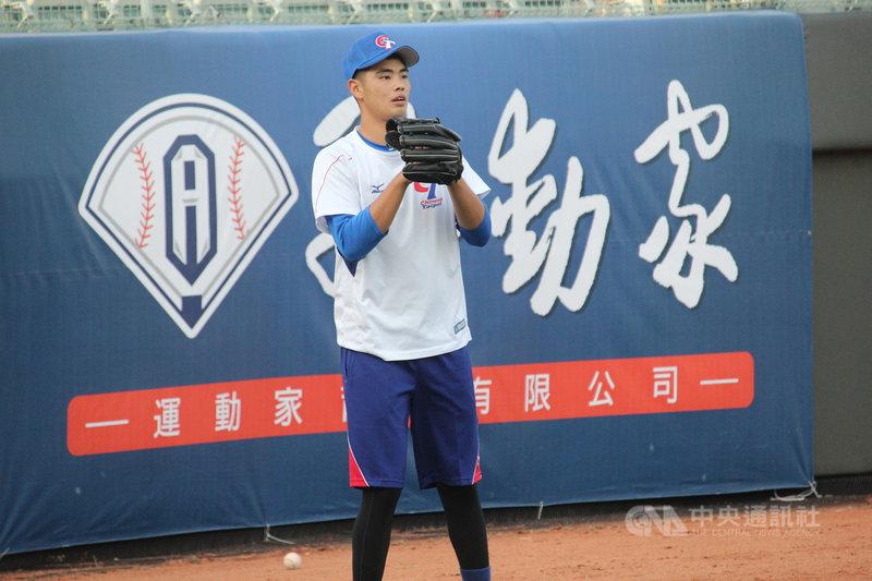 亞洲棒球錦標賽中華隊16日將對戰斯里蘭卡,先發投手預計推U18國手陳柏毓(圖),他表示,最近已經慢慢把狀況調整回來。中央社記者楊啟芳攝 108年10月15日