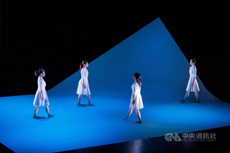 C MUSICAL製作原創音樂劇「最美的一天」,以全歌曲的方式演繹母女間細膩的情感互動,也是音樂劇舞台上極少見的「全女力」製作。(C MUSICAL製作提供)中央社  108年10月16日