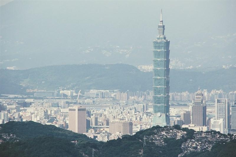 財政部最新統計顯示,美中貿易戰延燒一年多,隨全球經貿成長趨緩,台灣雖衰退但表現居中,且實質出口成長率為亞洲四小龍中唯一持穩向上者。(圖取自Pixabay圖庫)