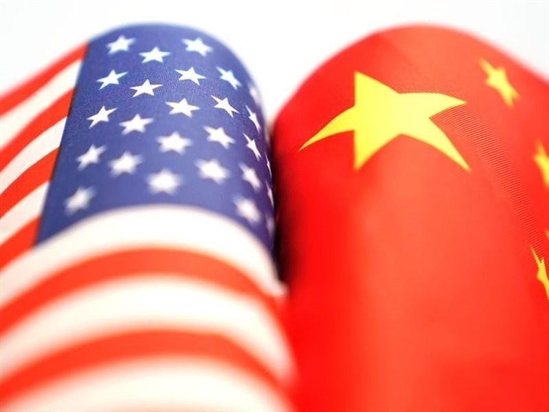 美國副總統彭斯發表第2次中國政策重大演說後,中共官媒25日凌晨迅速發表評論,稱彭斯的演說老調重彈,但也釋放出想與中國對話的訊息,基調稍見緩和。(檔案照片/中新社提供)