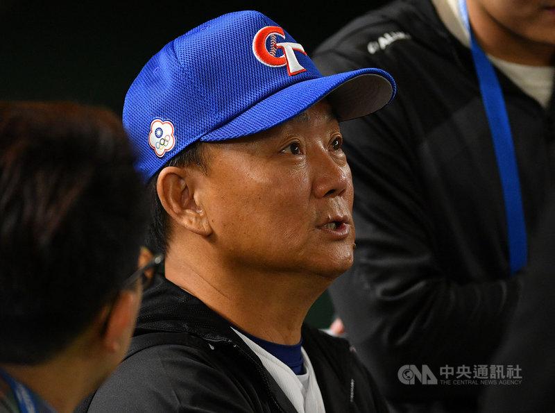 世界12強賽中華隊賽事進入尾聲,總教練洪一中表示,很感謝教練團、選手的投入,比賽內容都不錯,中華隊比較辛苦的地方是實力較不平均,最根本的問題還是在於中職隊伍數太少。中央社記者張新偉東京攝 108年11月16日