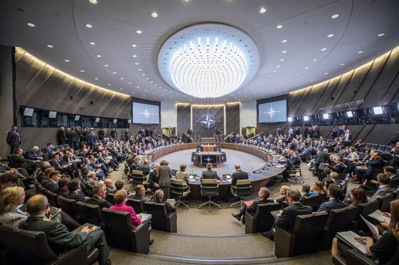 北大西洋公約組織20日召開外長會議,將太空列為新的戰爭領域,並指出因應中國崛起已成重要議題。(圖取自twitter.com/LV_NATO)