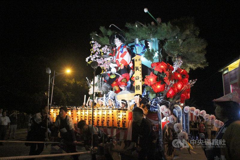 日本岩手縣盛岡山車2002年第一次至花蓮遊街,23日是第4度來到花蓮遊街表演,雙方交流加深彼此信任與友誼,24日簽定友好城市盟約。中央社記者李先鳳攝 108年11月24日