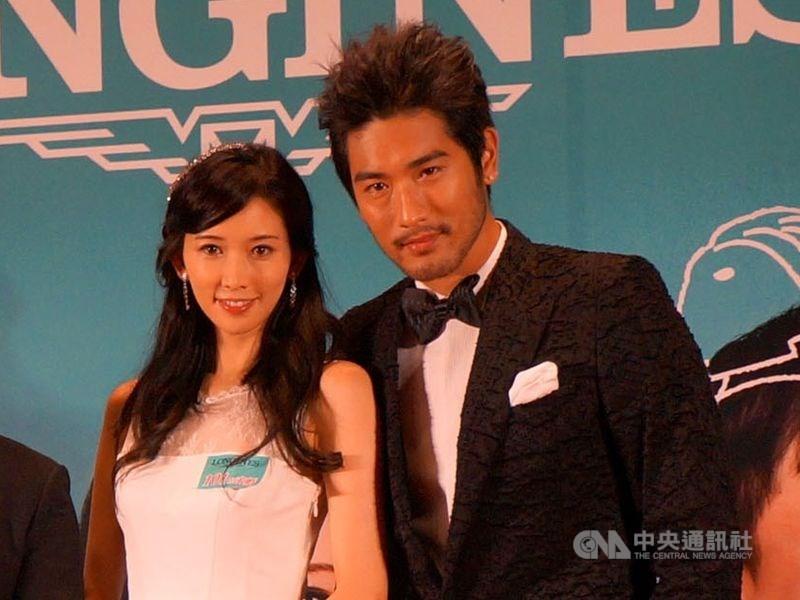 藝人高以翔(右)27日在中國大陸錄節目時意外過世,曾合拍電影「101次求婚」的藝人林志玲(左)在微博寫下悼念「太難過了」。(中央社檔案照片)
