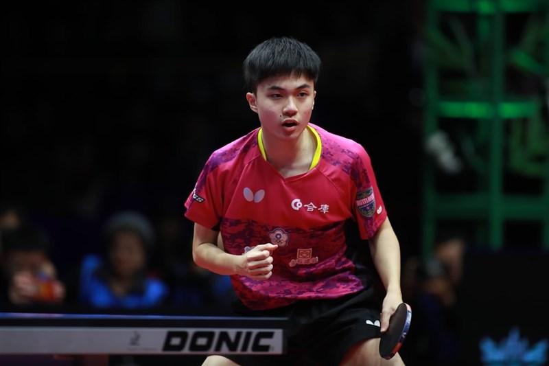 年僅18歲的台灣桌球好手林昀儒(圖),1日在男子桌球世界盃銅牌戰,以4比3扳倒里約奧運男單金牌得主、中國名將馬龍勇奪銅牌。(圖取自facebook.com/ITTFWorld)