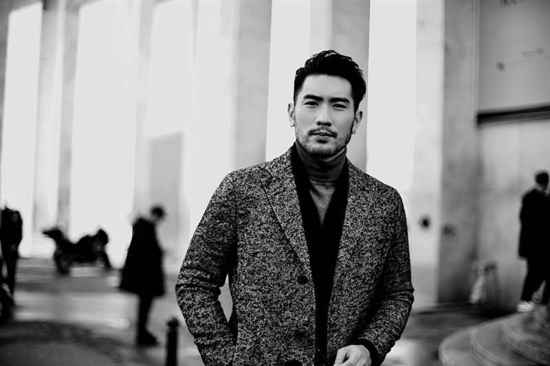 藝人高以翔於11月27日凌晨錄製「追我吧」時突然昏厥倒地,送醫後仍不治,享年35歲。(圖取自facebook.com/godfreygao/)