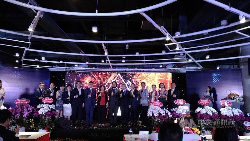 國發會主委陳美伶於12月14日至16日赴越南,帶領17家新創團隊出席電商新趨勢論壇,並參加台越新創企業交流媒合會。(國發會提供)中央社記者潘姿羽傳真 108年12月16日