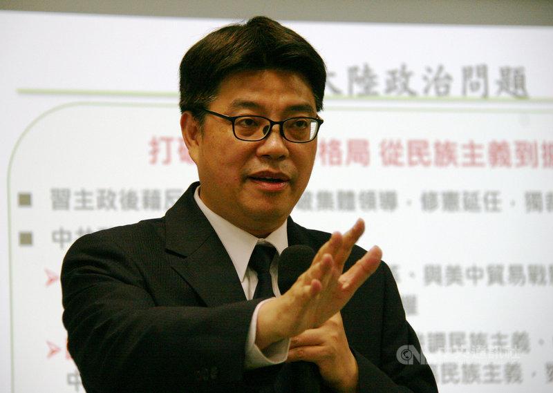 陸委會副主委邱垂正(圖)18日表示,中共領導人習近平2022年尋求延任面臨更大內部壓力,加上接班人選不明朗,恐將陷入「新毛澤東陷阱」。中央社記者繆宗翰攝 108年12月18日
