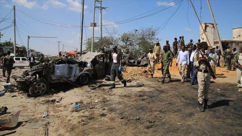索馬利亞首都摩加迪休一座繁忙的安全檢查站28日發生汽車炸彈爆炸,已知造成76人死亡。(安納杜魯新聞社提供)