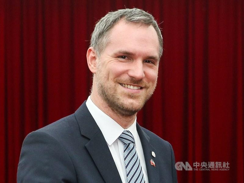捷克首都布拉格市長賀瑞普(圖)12日在與台北簽署締結姊妹市協議前夕時說,中國是個「不可靠的夥伴」。(中央社檔案照片)