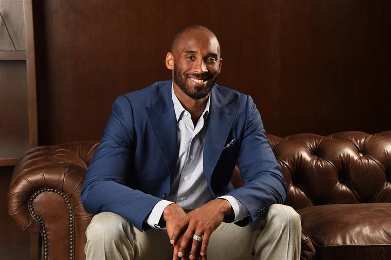 前美國職籃NBA洛杉磯湖人球星布萊恩(Kobe Bryant)26日搭乘私人直升機,墜毀在加州卡拉巴薩斯市當場喪命,享年41歲。(圖取自facebook.com/Kobe)
