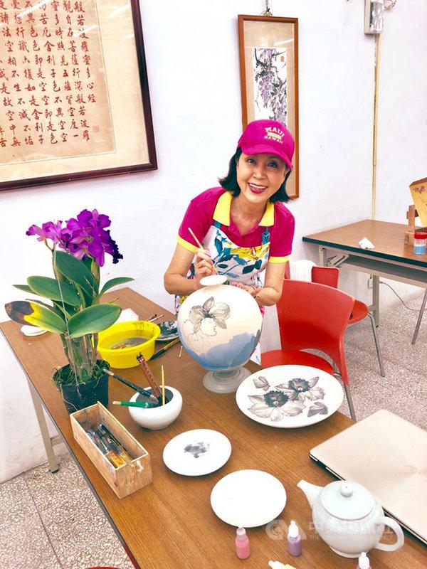 資深藝人白嘉莉即將返台定居,表明未來不考慮重返演藝圈,目前她的生活重心在寫作及繪畫創作。(白嘉莉提供)中央社記者周永捷傳真 109年1月28日