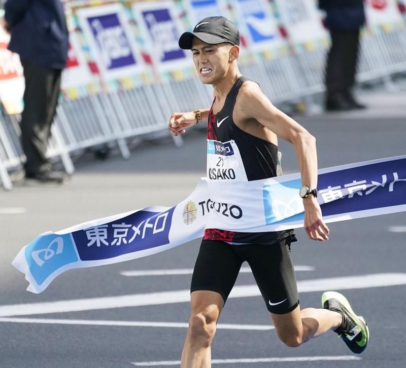 日本長跑名將大迫傑1日在東京馬拉松跑出2小時5分29秒好成績,打破自己保持的2小時5分50秒日本紀錄。(共同社提供)