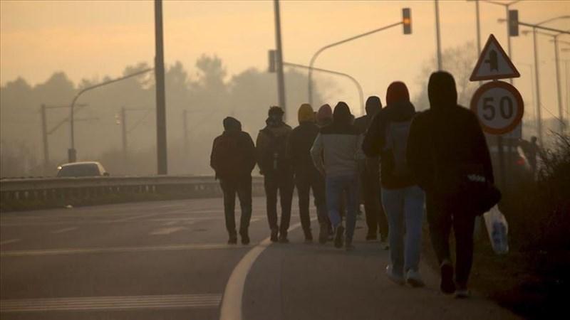 土耳其28日起開放邊界後,從西部艾迪尼省離境的移民已達3萬6776人。(安納杜魯新聞社提供)