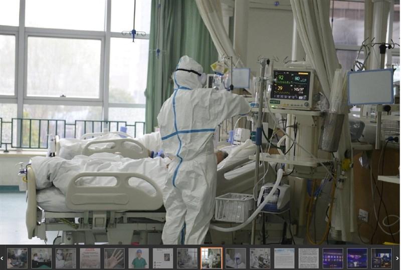 武漢肺炎已造成武漢市中心醫院多名醫護人員感染、死亡,陸媒揭發該院在疫情爆發初期要求醫護人員不能公開疫情、不能戴口罩。圖為武漢市中心醫院醫護人員照顧病患。(圖取自武漢中心醫院微博網頁weibo.com/whzxyy)