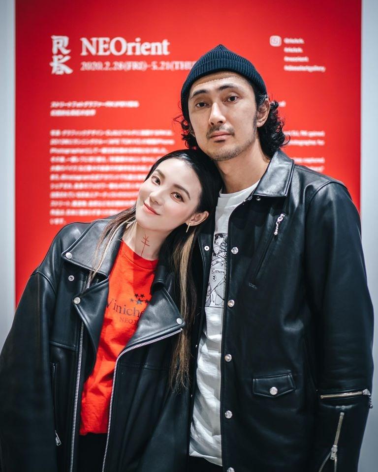 36歲演員歐陽靖(左)14日在社群網站臉書分享喜訊,已和交往5年的日本攝影師RK(右)在東京完成結婚入籍手續,成為台日夫妻。(圖取自facebook.com/imginoy)
