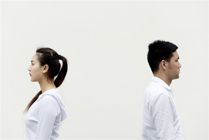武漢肺炎疫情讓中國民眾過了一個多月的居家生活,夫妻朝夕相處產生更多摩擦,一些地方出現離婚潮。(示意圖/圖取自Pixabay圖庫)