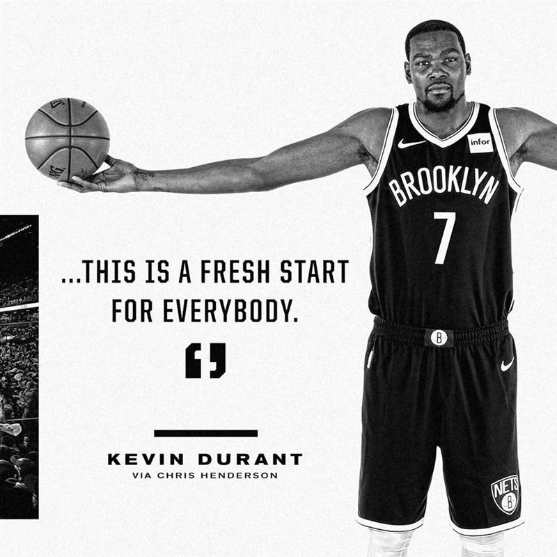 NBA布魯克林籃網已經下定決心,要讓4度奪下得分王的杜蘭特(圖)好好休養到下季,不會冒險讓他的阿基里斯腱再度受傷。(圖取自facebook.com/BrooklynNets/)