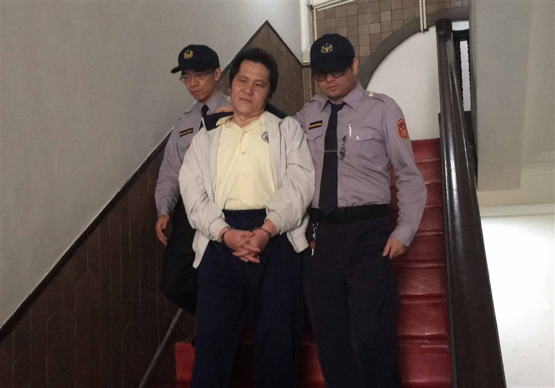 法務部長蔡清祥1日證實,下午簽核一個執行令,晚間執行死囚翁仁賢(中)槍決。(中央社檔案照片)