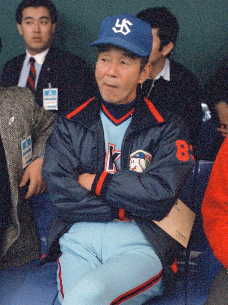 曾擔任日本職業棒球大洋隊(現在的DeNA隊)及養樂多隊監督的關根潤三9日辭世,享壽93歲。圖為擔任養樂多隊監督時期的關根潤三。(共同社提供)