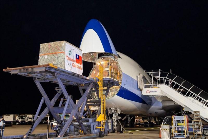 武漢肺炎蔓延全球,台灣援助11個歐洲國家的700萬片口罩已分3批運送。(圖取自外交部網頁mofa.gov.tw)
