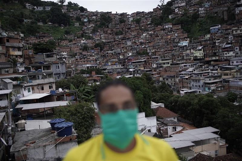 巴西武漢肺炎疫情已成為南美洲國家隱憂,世衛組織報告顯示,全球6日新增6539例武漢肺炎死亡病例,其中9.17%在巴西,占全球第3。(美聯社)