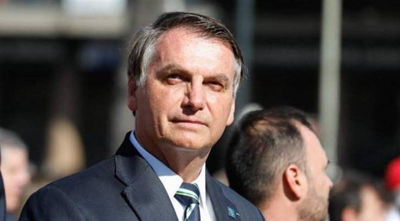 巴西總統波索納洛19日參與民眾反對州的禁足令、要求軍事干預、關閉國會和聯邦最高法院的示威,引起各界強烈抨擊。(圖取自facebook.com/jairmessias.bolsonaro)