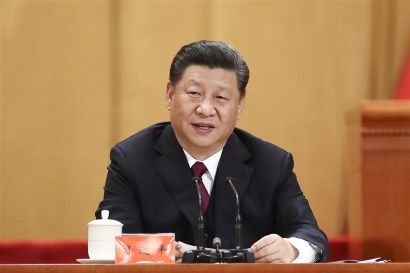 中共總書記習近平(圖)近日重提「西遷精神」與毛澤東時代監控民眾的「楓橋經驗」。分析認為,習近平有意效法毛澤東,在遭遇內外困境之際,醞釀大型鬥爭。(中新社提供)
