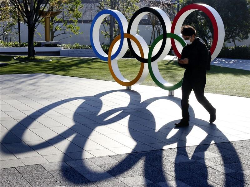 根據日本28日出刊的「體育日刊」,東京奧運組織委員會主席森喜朗表示,武漢肺炎疫情2021年以前若未獲得控制,奧運將取消。(檔案照片/共同社提供)