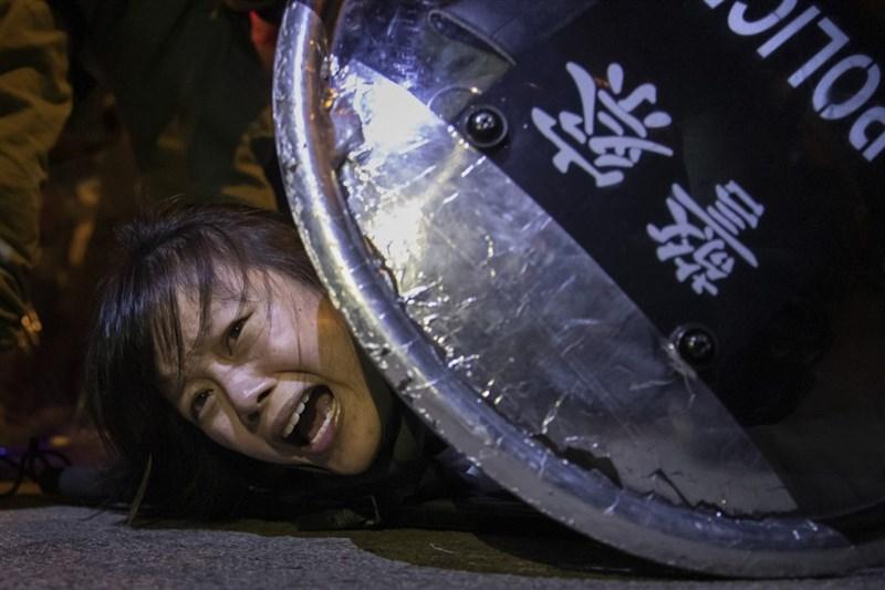 美國新聞界最高榮譽「普立茲獎」2020年得獎名單5日出爐,路透社報導記錄2019年香港反送中運動,榮獲突發新聞攝影獎。(路透社提供)
