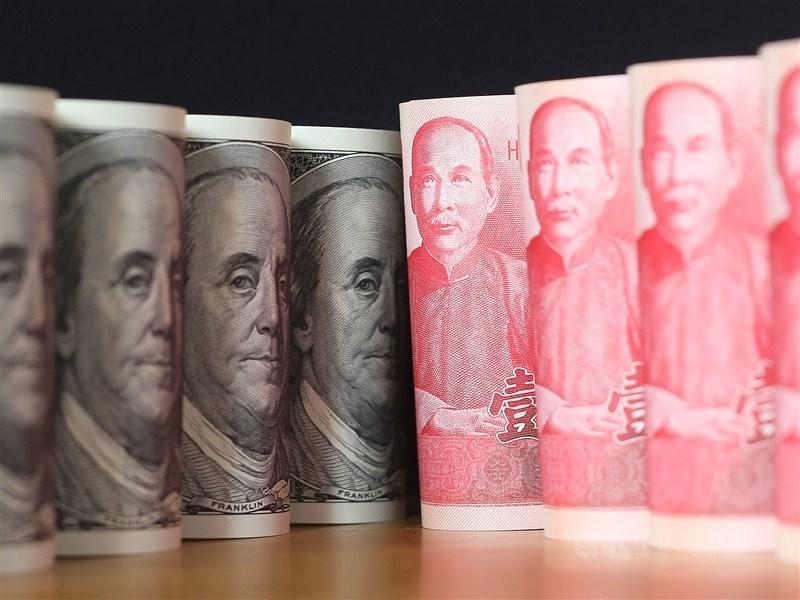 央行5日公布4月外匯存底,底增至4817.82億美元,續創歷史新高,排名升至全球第4。(中央社檔案照片)
