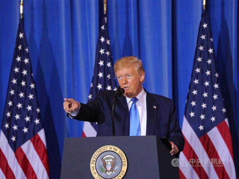 世界衛生大會(WHA)18日以視訊方式開議,美國總統川普(圖)致函世界衛生組織(WHO)秘書長譚德塞下最後通牒,若世衛組織不改善,將永久凍結金援。(中央社檔案照片)