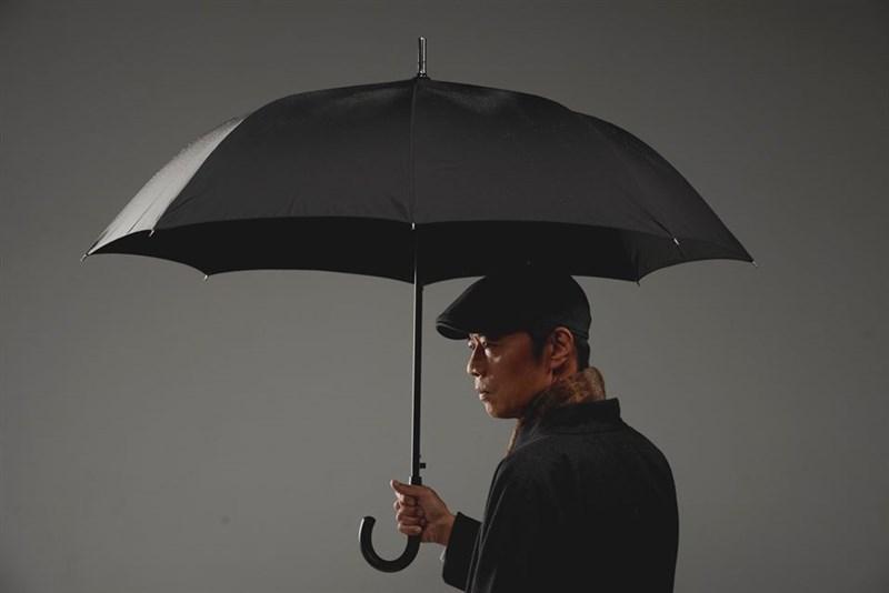演員吳朋奉驟逝家中噩耗,將永遠缺席原訂2021年2月演出的「雨中戲台」。(圖取自facebook.com/xiqucentertw)