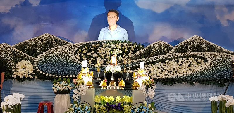 演員吳朋奉因腦中風驟逝,享年55歲。家屬7日舉行告別式,許多演藝圈、劇場界好友都到場送他最後一程。(金熙國際提供)中央社記者葉臻傳真 109年6月7日