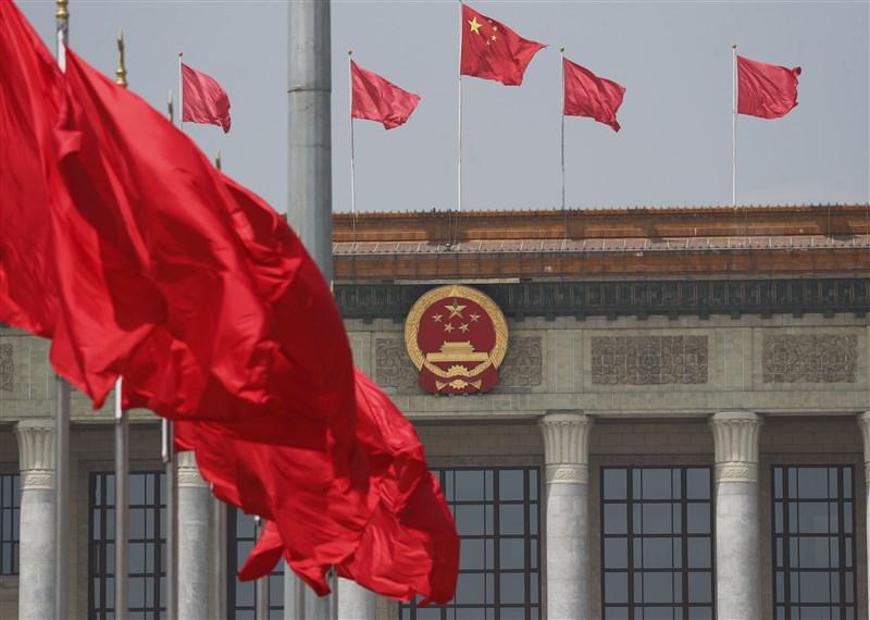 法國媒體揭露,中國駐法大使盧沙野致函參議院友台小組主席李察,要求他取消正在組織的國會訪台團。圖為北京人民大會堂。(中新社)