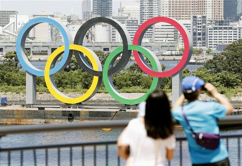 國際奧林匹克委員會主席巴赫10日表示,東京奧運籌備單位正在研究簡化2021年東奧的方法,以因應迫使奧運延期的武漢肺炎疫情所帶來的挑戰。(共同社提供)
