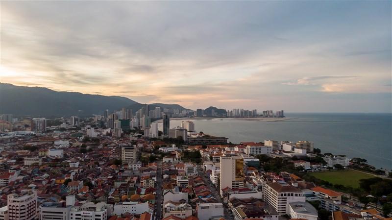 台灣與東南亞國家的關係十幾年來都相當緊密,由6名不同背景的作者共同書寫的東南亞報導文學專書出版,希望提供不同於過往的視角觀看東南亞。圖為馬來西亞檳城一景。(圖取自Unsplash圖庫)