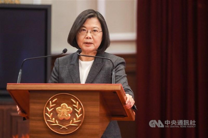 陸委會18日正式公布香港人道援助關懷行動專案,總統蔡英文晚間指出,「台灣援港專案,即刻啟動」。(中央社檔案照片)