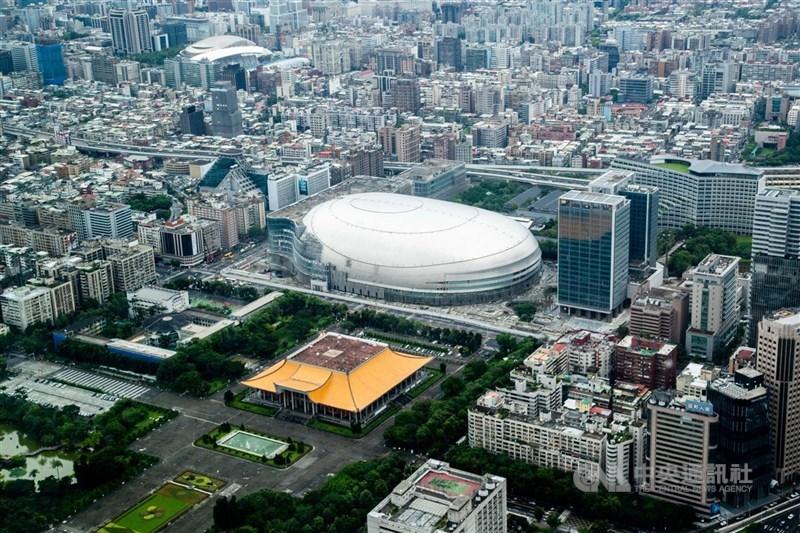 台北市建管處22日簽准大巨蛋建照變更,最快6月底前可核發。(中央社檔案照片)