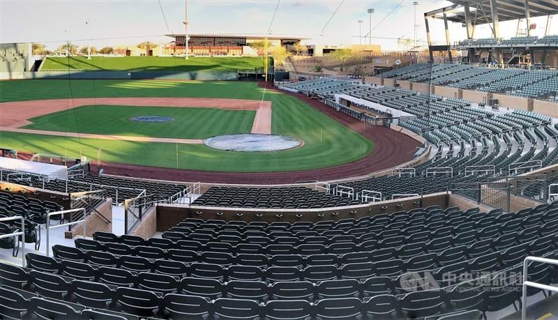 MLB球員工會22日投票否決聯盟所提出包括打60場例行賽等細節在內的復賽提案。圖為響尾蛇隊訓練基地主球場。(中央社檔案照片)