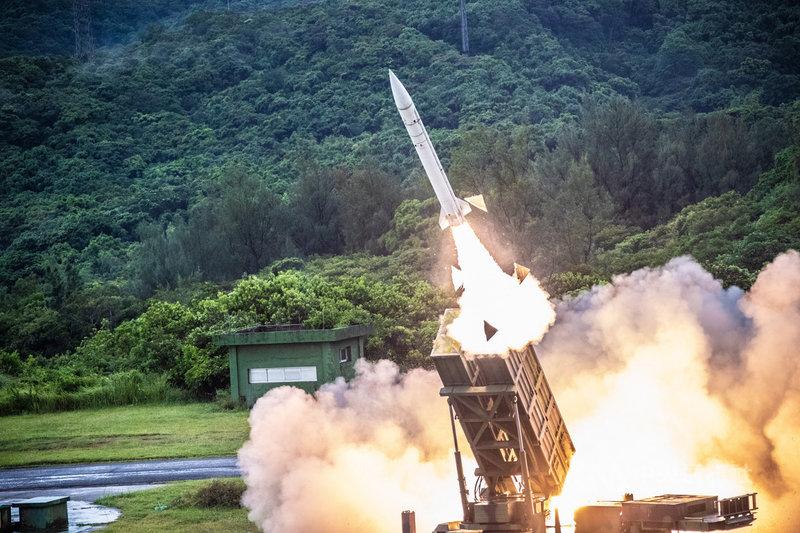 三軍聯合火力打擊實彈射擊操演15日登場,空軍防空部射擊天弓一型防空飛彈。(國防部提供)中央社記者游凱翔傳真 109年7月15日
