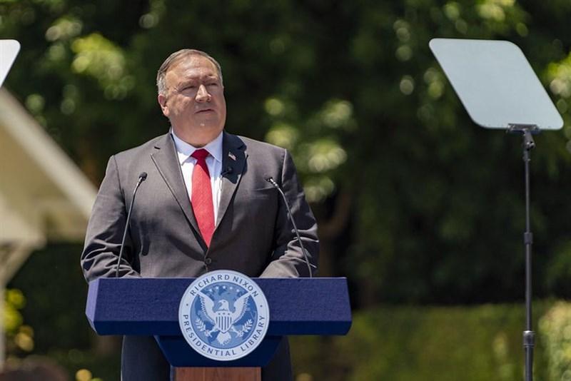 美國衛生部長艾薩近日將訪台,引發中國強烈不滿。美國國務卿蓬佩奧(圖)5日表示,艾薩訪台符合美國一貫政策,並有深遠重要目的。(圖取自twitter.com/SecPompeo)