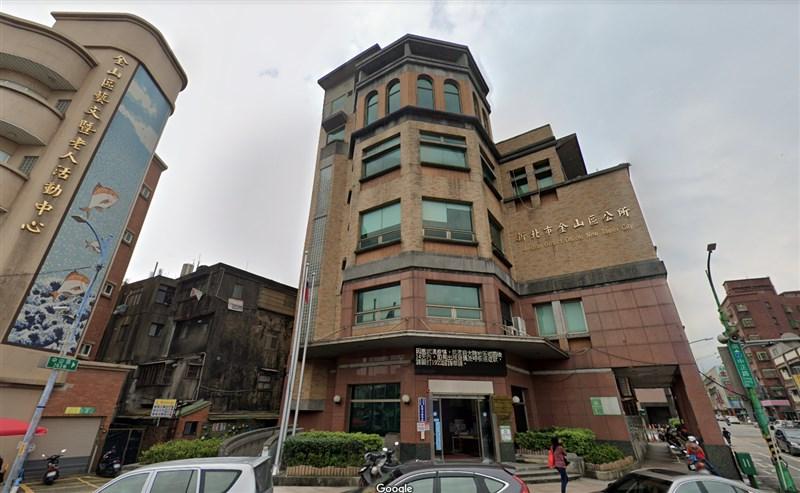 新北市金山區公所陳姓小編猝死,引起是否過勞爭議。(圖取自Google地圖網頁google.com/maps)