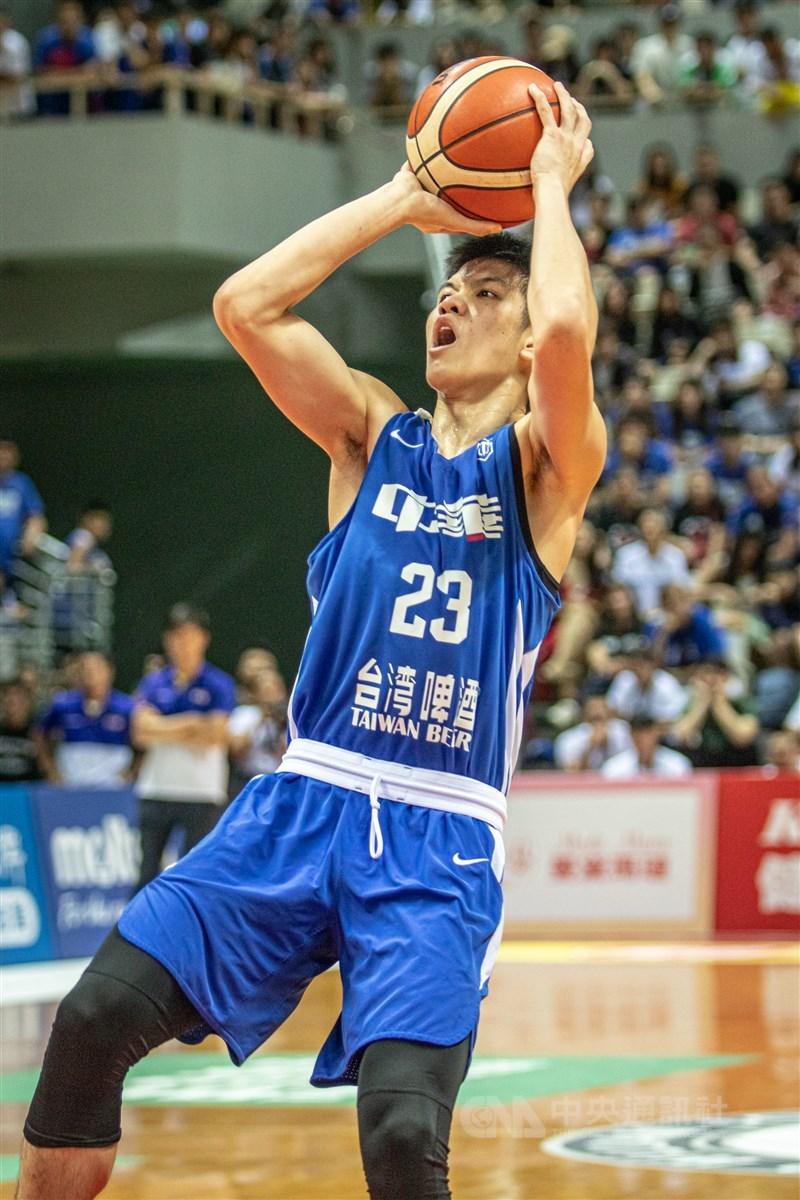 CBA中國男子職業籃球聯賽2020-21球季選秀會21日舉行,台灣旅美小將林庭謙在首輪第3順位,被天津榮鋼先行者相中。(中央社檔案照片)
