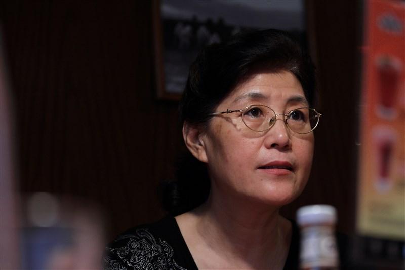 遭開除黨籍的中共中央黨校退休教授蔡霞7日推文說,她在中國的銀行帳號被關閉,中共不只取消她的養老金,連存款都取不出。(中新社)