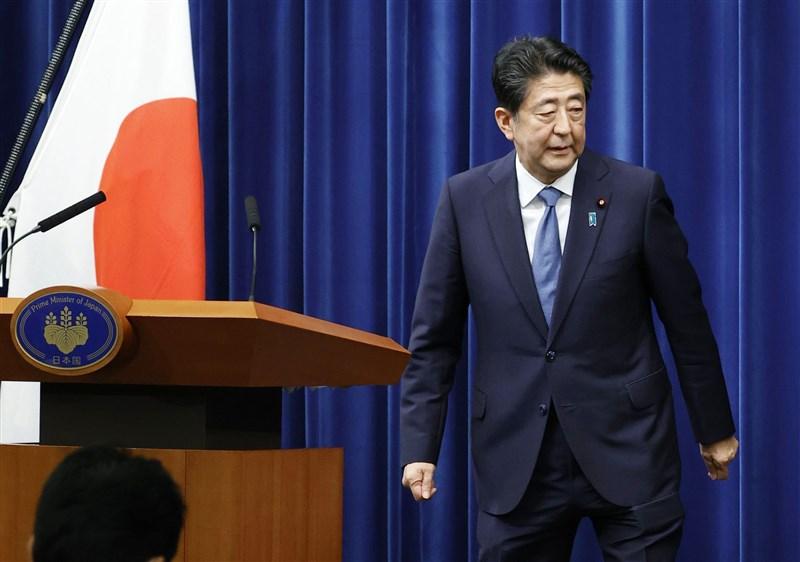 日本共同社最新民調顯示,安倍內閣支持率比上週暴增20個百分點,在網路上成為話題。(共同社)