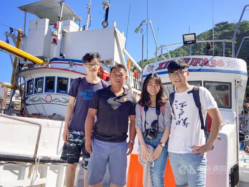 入選教育部109年「青年壯遊台灣」計畫的「食魚懂魚」團隊,探索從產地到餐桌的每一個環節,思考生態永續的策略。(教育部提供)中央社記者陳至中傳真 109年8月29日